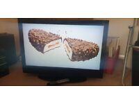 """Technika Lcd TV 32 inch ......(not LED 3d smart curved 4K 8K )...... lcd tv 32"""""""