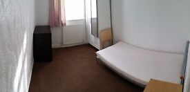 Great Large Single Room in Shared House