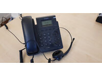Yealink T19P E2 VoIP phone with wired headset for home/business