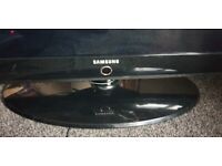 Samsung 40inch tv SPARES OR REPAIRS