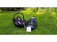 Maxi Cosi Pebble Plus iSize Baby Car Seat - (0-4 Years) + ISOFIX base [Offer Accepted]