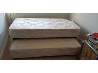 Bed with pull-out trundle with mattress