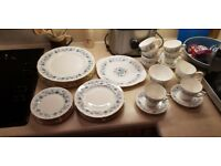 Colclough Bone China Dinner Service / Crockery