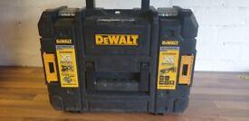 Dewalt Multi Tool DCS355D2 XR Lithium Ion 2.0Ah