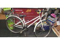 Free spirit ladies hybrid bike