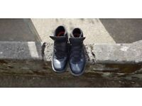 Selling size 10 rockport xcs boots