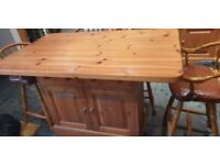 Kitchen island/table