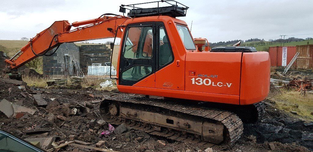 13 Tonne Excavator With Driver For Hire
