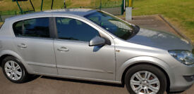 Good neat Vauxhall Astra for sale.One year MOT,sellng as I have new vehicle for commercial purposes.
