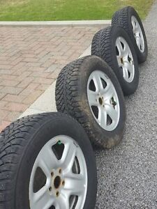 P235/65/R17 NORMAN SUV + RIMS