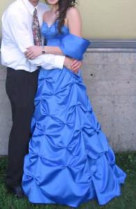 Robe de bal bleu royal