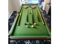 Quarter size snooker/pool table