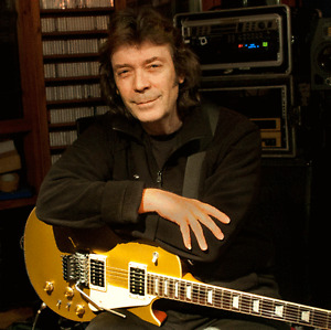Attention: Genesis Fans....  Are you a STEVE HACKETT Fan???