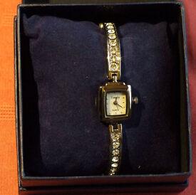Stylish Woman's/Girl's Bracelet Watch - New!