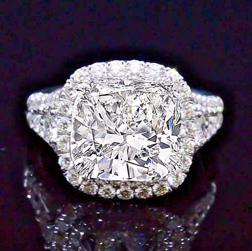 2.61 Ct Cushion Cut Diamond Halo Split Shank Engagement Ring G,VVS2 GIA 14K WG
