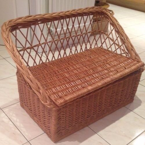 WICKER STORAGE SEAT BENCH FOR CHILDREN'S ROOM / PLAYROOM