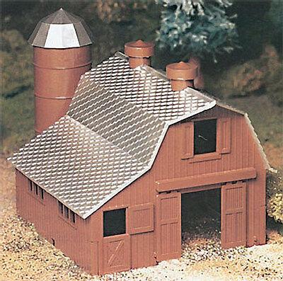 NEW Bachmann Dairy Barn Kit O 45602