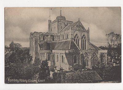Romsey Abbey Vintage Postcard  221a