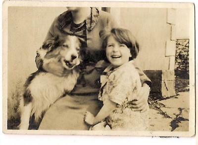 Hpppy Sweet Little Girl & Her Lassie Collie Dog Out Of Frame Mom 1940s Photo