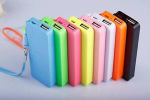 Powerbank Slim Akku Extern 5600mAh USB Ladegerät Universal Smartphone Power Bank