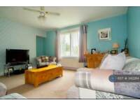 2 bedroom flat in Chisholm Place, Grangemouth, FK3 (2 bed)