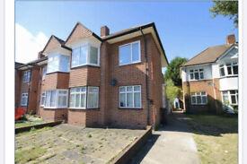 2 bedroom flat in Amesbury Road, Feltham, TW13(Ref: 6837)