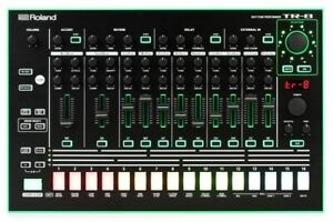 Roland TR 8 (Comme neuf) !