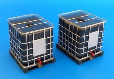 PLUS MODEL #495 Fluid Tank 1000 Liter (2 Stück) in 1:35
