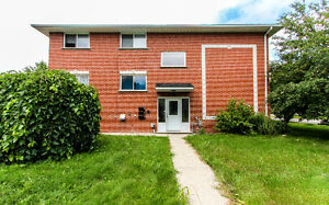 AVAILABLE NOW! HEAT AND WATER INCLUDED! SPACIOUS!!GREAT LOCATION Kitchener / Waterloo Kitchener Area image 1