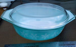 Vintage Pyrex 043 SNOWFLAKE Turquoise Oval Casserole Dish w LID