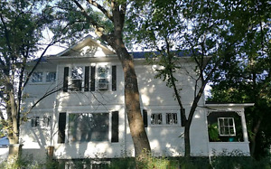 3-Bedroom Fully Furnished & Equipped Victorian Home