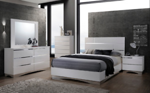 MODERN BEDROOM SET IN QUEEN SIZE IN WHITE LACQUER