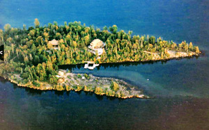 Palette Island- VIEWINGS AVAILABLE-NEW PRICE