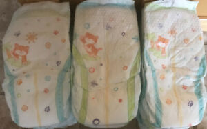**LOT OF 50 SIZE 4 KIRKLAND BRAND DIAPERS FOR SALE**