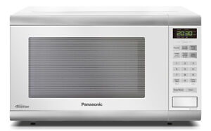 microwave panasonic-1.2CUFT-white-blac WITH WARRANTY-$69.99  -
