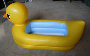 Inflatable Duck bathtub