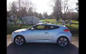 2014 HYUNDAI VELOSTER TECH .   LOW KM