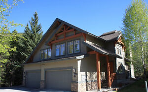 4BR PANORAMA MOUNTAIN HOME ON GREYWOLF GOLF COURSE & HOT TUB!