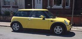 2006 Yellow BMW mini cooper