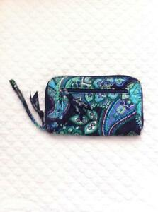 5f4cd930bac8 Vera Bradley Blue Rhapsody Wallet