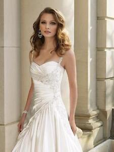 **NEVER WORN Size 10 Sophia Tolli wedding dress**