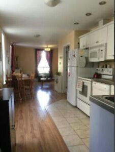 1 bedroom summer sublet in 3 bedroom apartment