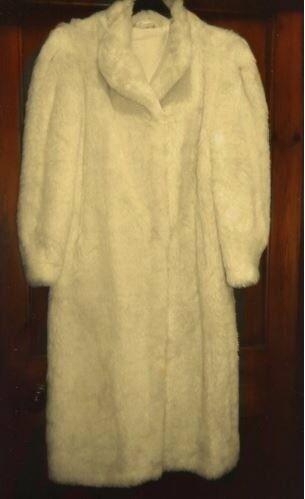 Fur coat acrylic vintage style ivory UK size 16