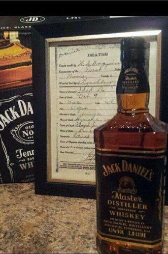 jack daniels decanter ebay. Black Bedroom Furniture Sets. Home Design Ideas