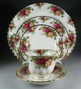 Royal Albert Old Country Roses - 5 piece place setting