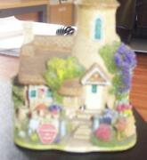 Lilliput Lane Gold Top