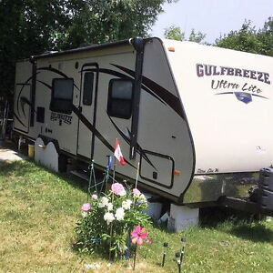 29'6'' 2014 Gulf Breeze Ultra Lite Travel Trailer, Model 26RBK