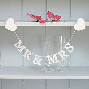 Mr-and-Mrs-Cream-Wedding-Banner-Great-gift-or-Table-Decorations-Garland-Bunting
