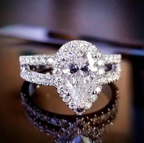 Stunning 1.50 Ct Pear Cut Diamond Engagement Ring F, VS2 GIA 18K White Gold