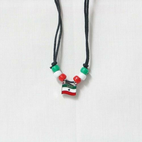 SOMALILAND  COUNTRY FLAG SMALL METAL NECKLACE CHOKER .. NEW